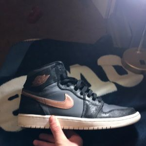 Jordan 1. Price: 55-60. Condition: 8.5/10. Size 10